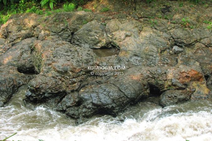 Lava Bantal Sungai Opak