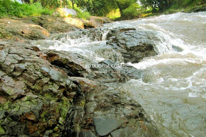 Lava Bantal Sungai Opak Kotajogja Com